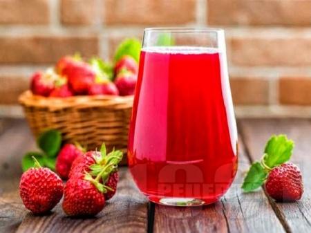 Нектар / сок / сироп от ягоди в бутилки - снимка на рецептата